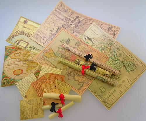 1:24th scale Vintage Maps and Scroll Kit